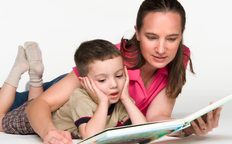 La importancia de leerle un cuento al niño