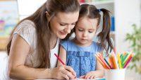 Cómo enseñar los colores a los niños pequeños