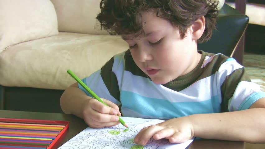 ¿Por qué es importante colorear para niños en edad preescolar?